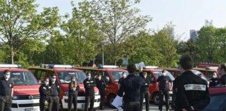 Hand in Hand für Bildung - Feuerwehr München liefert 80.000 Mund-Nasen-Masken an Schulen aus