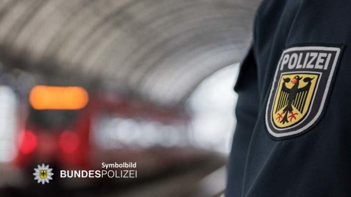 Zwei Gewaltdelikte in S-Bahnen: Streit unter Verlobten - Bahn-Security verletzt