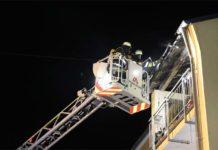 Nachbarin bemerkt Brand auf Balkon