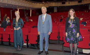 Konstituierende Sitzung des neuen Stadtrats: Habenschaden und Dietl als Bürgermeisterinnen vereidigt