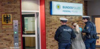 Tatverdächtige in Freising aus Zug geholt