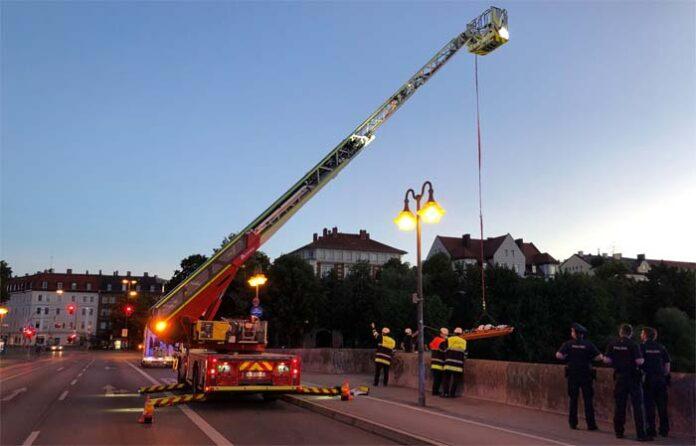 18-Jähriger stürzt von Wittelsbacherbrücke