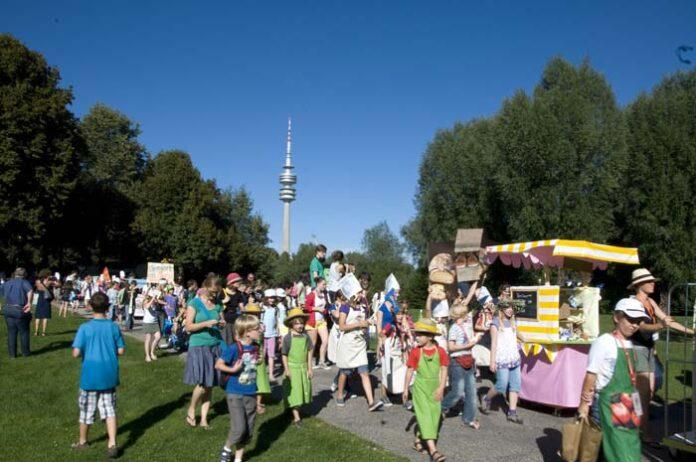 Schule aus, Spielstadt an: KJR eröffnet SpassFabrik in Mini-München