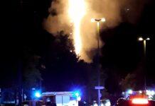 Mobilfunkmast in Flammen