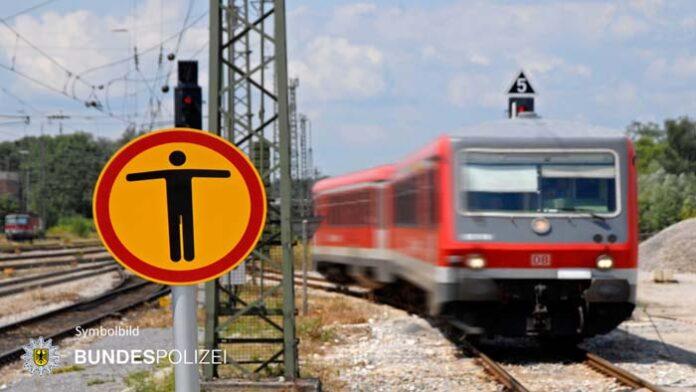 Schnellbremsung wegen Gleisüberschreitern - Schranken waren schon geschlossen