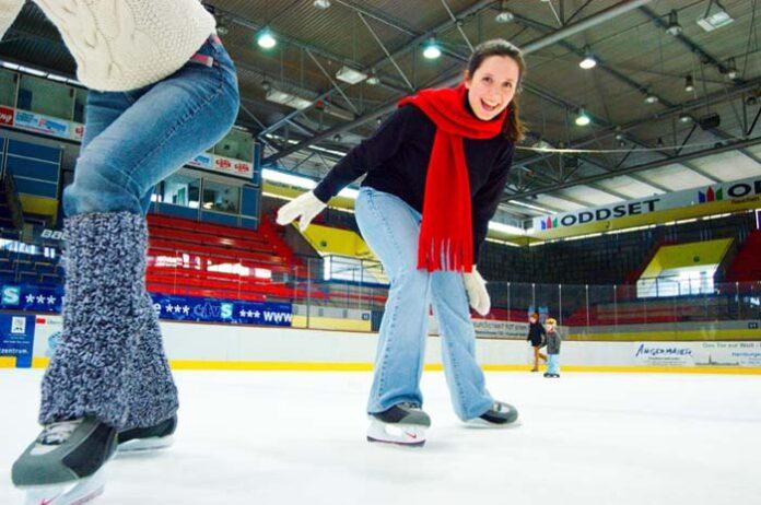 Das Olympia-Eissportzentrum und die SoccArena öffnen wieder!
