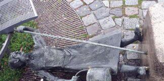 Ida Schumacher Brunnen am Viktualienmarkt umgestürzt
