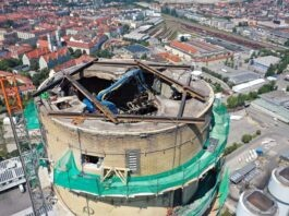 SWM Energiestandort Süd: Höchster Kamin verschwindet jetzt Stück für Stück