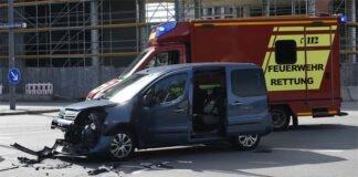 Moosach: Verkehrsunfall mit zwei Verletzten