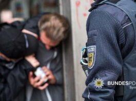 Fahrscheinkontrolle eskaliert - 24-Jähriger würgt Mitarbeiter der DB Sicherheit