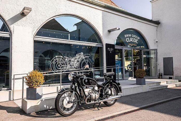 """Ein neues Biker-Café für München: Das """"Mo66"""" in der BMW Group Classic wird temporär zur """"Boxer Bar"""""""