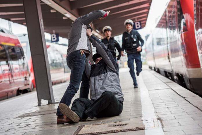 Gewalttaten am Wochenende - Zwei körperliche Angriffe im S-Bahngebiet München beschäftigen die Münchner Bundespolizei
