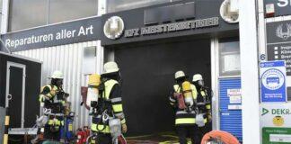 Am Riesenfeld: Autowerkstatt in Brand