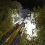 Au-Haidhausen: Brand in Jugendwohnheim - Mehrere Zimmer in Flammen