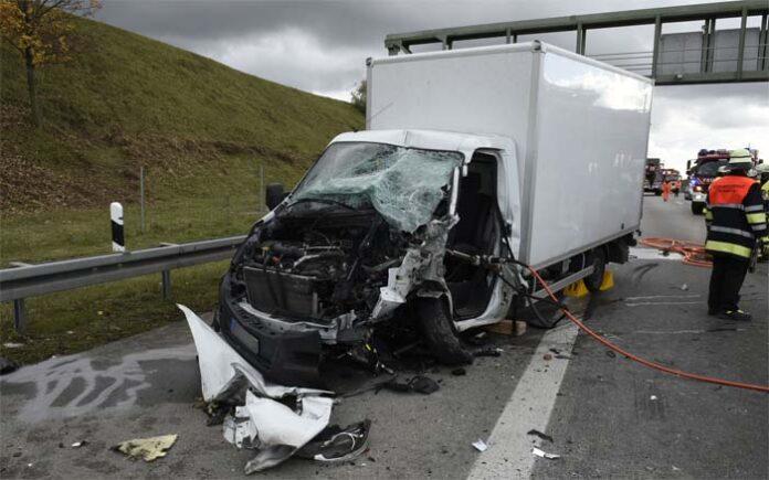 Schwerer Verkehrsunfall auf der Autobahn
