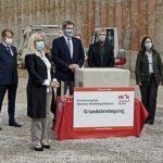 """München Klinik Bogenhausen: Grundstein für den """"fünften Finger"""" ist gelegt"""