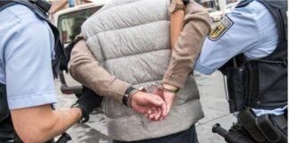 Exhibitionist entblößt sich vor Polizistin