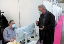 OB Reiter und Gesundheitsreferentin Zurek besuchen neuen Standort der Contact Tracing Teams in der Messe
