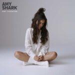 """Amy Shark veröffentlich ihre wohl emotionalste Single """"All The Lies About Me"""" und kündigt Album für April 2021 an"""