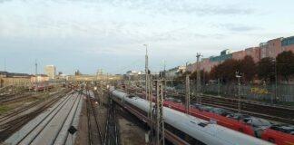 Abbruch einer Autobahnüberführung führt zu Umleitungen im Bahnverkehr