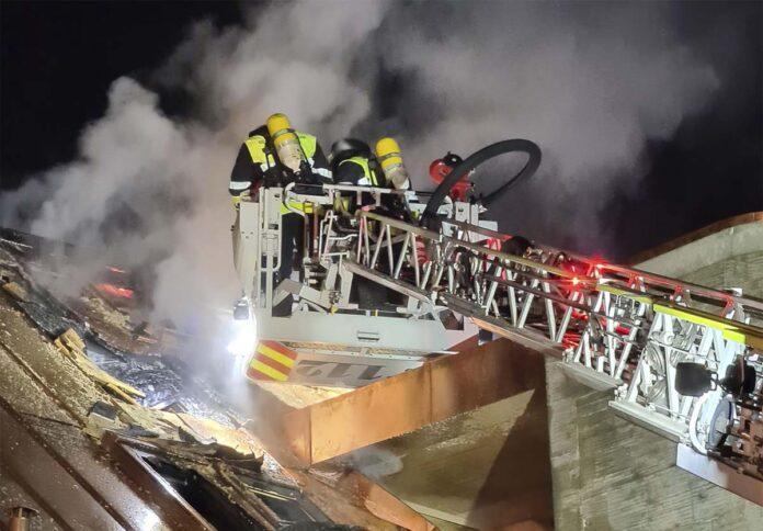 Nymphenburg: Dachstuhlbrand mit hohem Schaden
