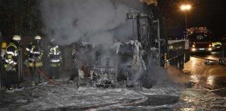 Untergiesing: Lkw nach Brand zerstört