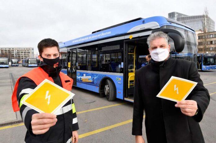MVG kennzeichnet E-Busse für Einsatzkräfte der Feuerwehr München