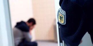 Mit gefälschtem Führerschein im nicht-versicherten Auto unterwegs und europaweit gesucht