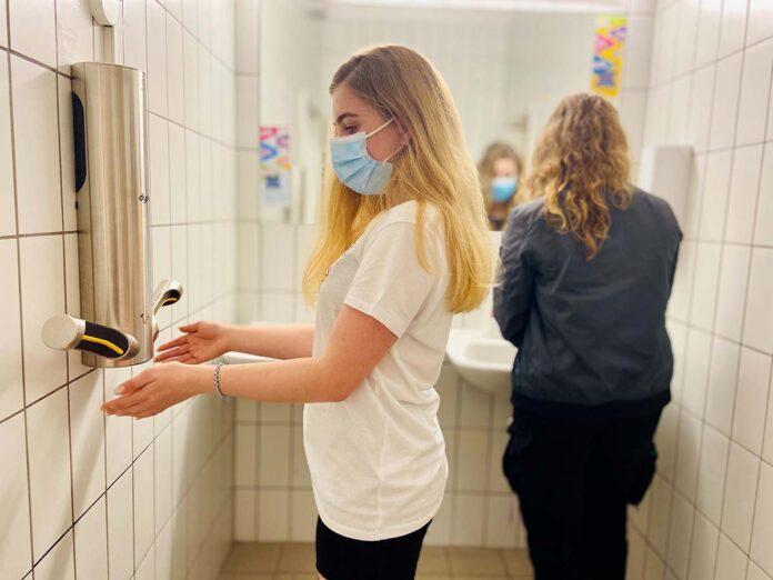 Obermenzinger Gymnasium in München stellt sich Lockdown-Herausforderungen