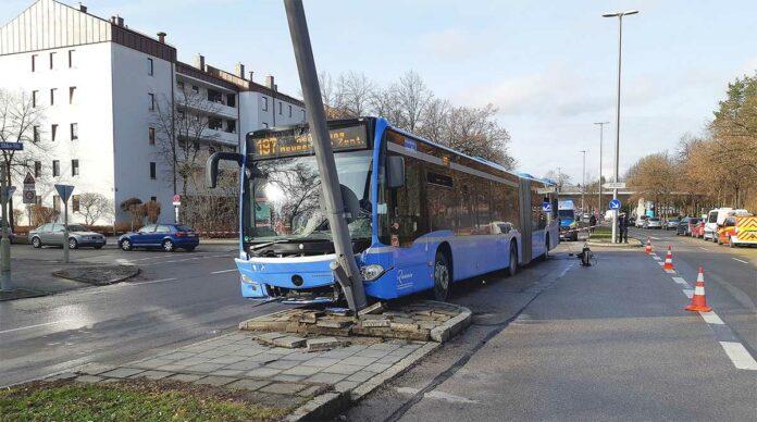 Ramersdorf-Perlach: Linienbus außer Kontrolle