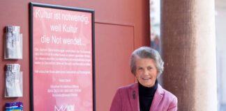 Führungswechsel im Münchner Künstlerhaus - nach 30 Jahren Vorstandsarbeit verabschiedet sich Maja Grassinger