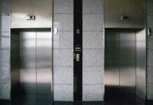 Laim: Exhibitionist im Aufzug