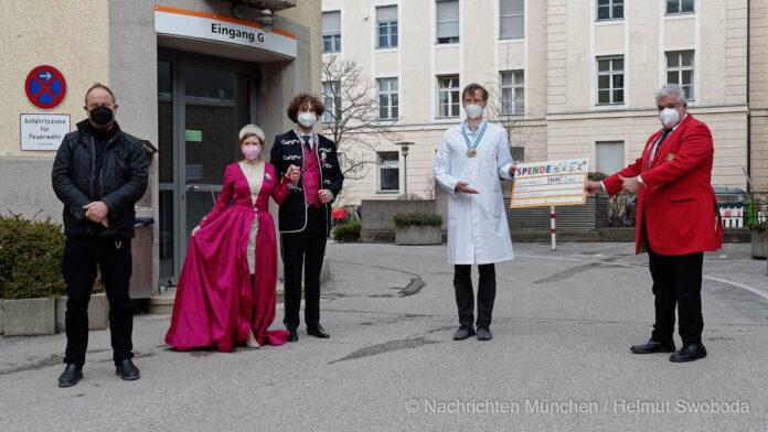 Erlös von 2.000 Euro aus dem Faschingsgottesdienst für die Haunersche Kinderklinik