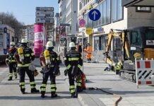 Gasausströmung zur Rush Hour - Größere Gasleitung bei Bauarbeiten beschädigt