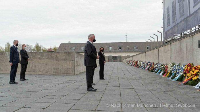 Kranzniederlegung am Mahnmal der KZ-Gedenkstätte Dachau anlässlich des 76. Jahrestags der Befreiung