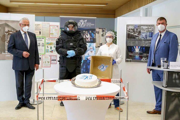 Innenminister Herrmann gratuliert: 75 Jahre Bayerisches Landeskriminalamt