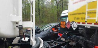 Sendling: Tanklastzug kollidiert mit Pkw
