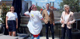 Berylls Strategy Advisors unterstützt die KlinikClowns mit 7000 Euro