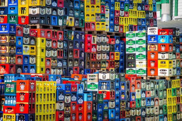 Drohender Bierengpass durch Leergutmangel - Bayerns Brauereien rufen zur Leergutrückgabe auf!