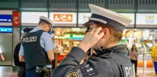 Nach Schwarzfahrt mit der S-Bahn - Frau versucht gefälschten Ausweis zu nutzen