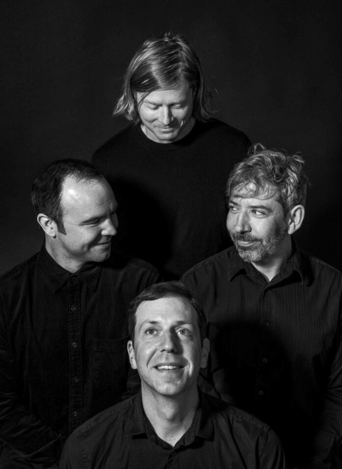 FUTURE ISLANDS Calling Out in Space – Tour