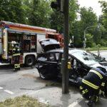 Menterschwaige: Pkw kollidiert mit Tram