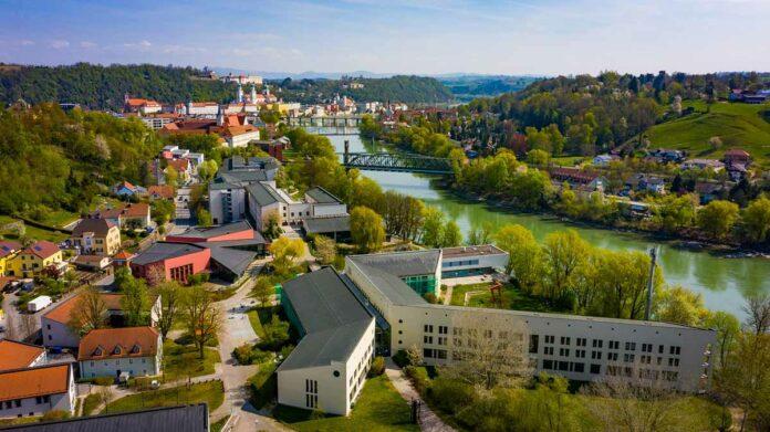 Blick über den Campus der Universität Passau.