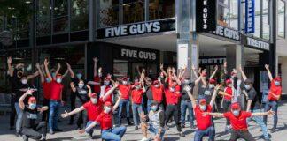 Jetzt auch in der Münchner Innenstadt - Five Guys Opening in der Neuhauser Straße