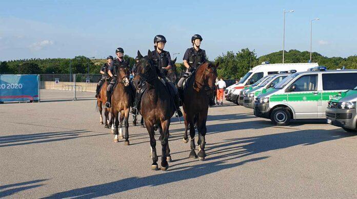 Polizeiliche Einsatzbilanz zum Fußballspiel Belgien : Italien
