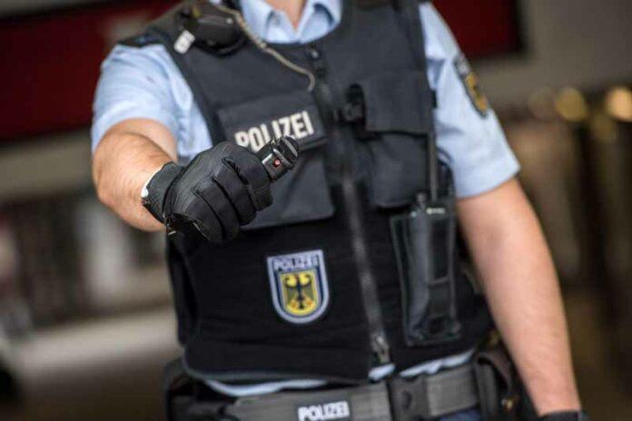 Angriff auf Bundespolizisten - Personenkontrolle eskaliert