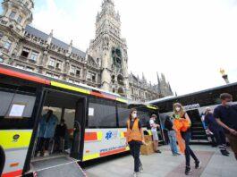 Impfbus auf dem Marienplatz findet sehr guten Anklang