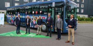 Herrmann stellt Schulbus mit Abbiegeassistenzsystem vor