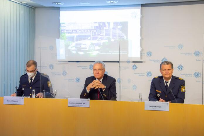 Herrmann stellt Einsatzkonzept der Polizei zur IAA vor