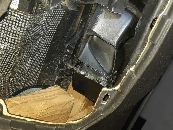 Professionelles Drogenversteck im Auto - Bundespolizei beschlagnahmt fünf Kilogramm Kokain